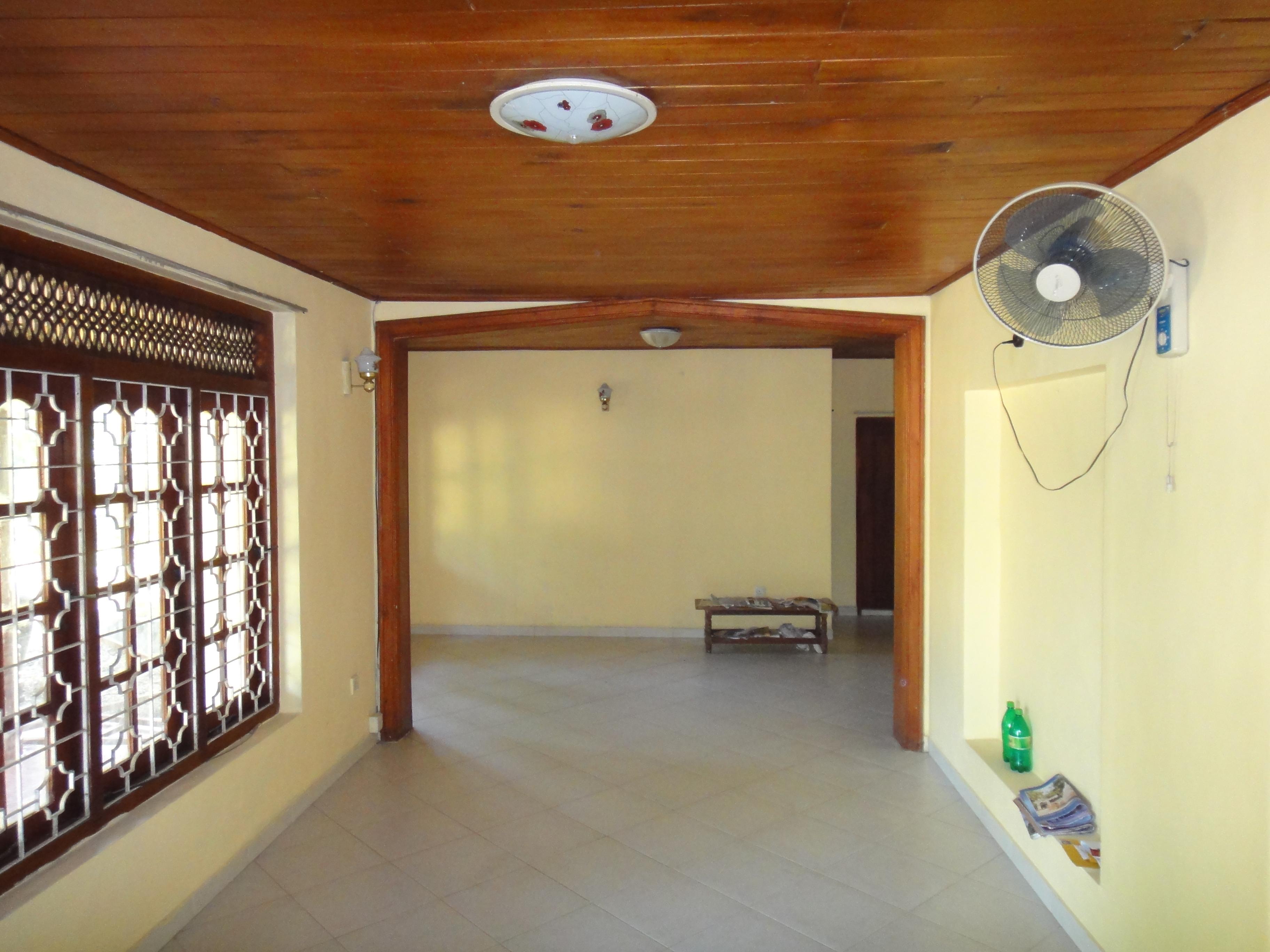 House for sale in Kalagedihena – Real Estate – Visit Sri Lanka